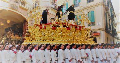 Paloma Semana Santa Málaga